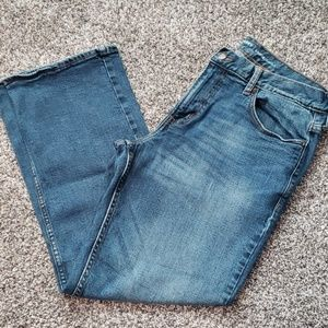 EUC Old Navy Loose Jeans.   33 × 30